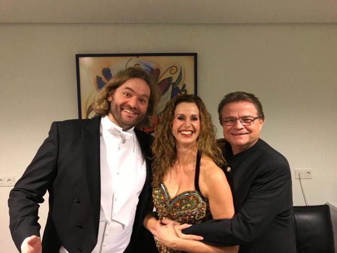 Wilma Bierens met Bariton Georg Gädker en tenor Arnold Bezuyen.