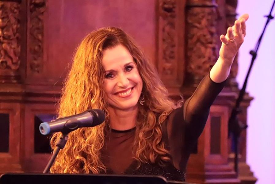 Wilma Bierens - Bevrijdingsconcert 2019 in Breda o.l.v. Hans de Wit en Frans van Dun
